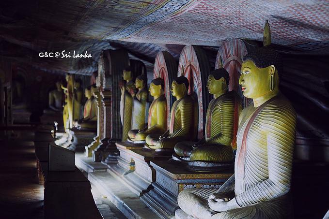 丹布勒石窟寺图片