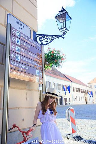 """""""...区,Ćirilometodska大街上,距离圣马可教堂步行5分钟,老城区有非常清晰的景点标示牌_圣马可教堂""""的评论图片"""