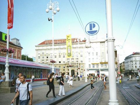 耶拉契奇总督广场旅游景点图片
