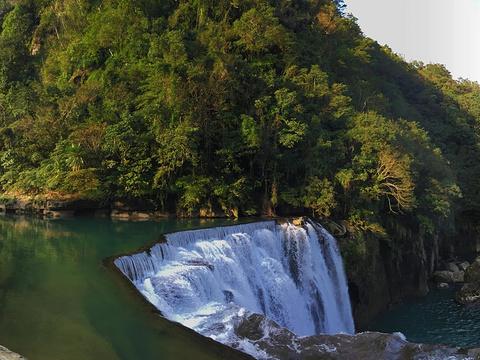 十分瀑布旅游景点图片