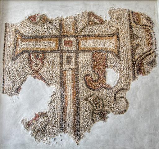 """""""我们在迦太基遗址那里也会看到特别多无头雕像想想那几年前的工艺,竟然可以看见""""永恒""""。好漂亮的门_巴尔杜国家博物馆""""的评论图片"""