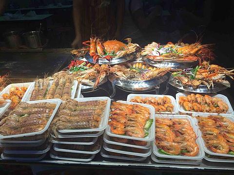 东门町美食街旅游景点图片