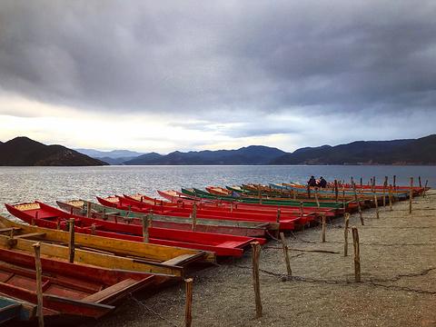 猪槽船游湖(大落水码头)的图片