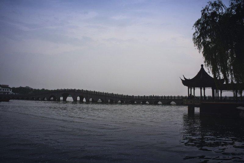 南湖秋月园