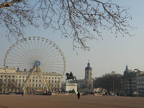 白莱果广场旅游景点图片