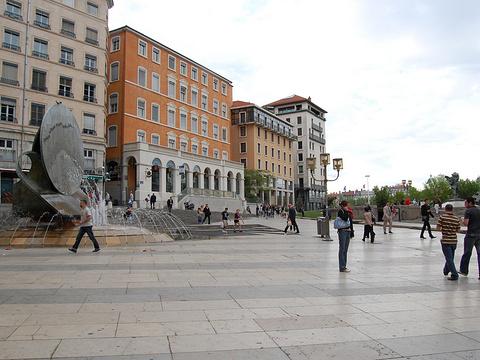 路易普拉德尔广场旅游景点图片