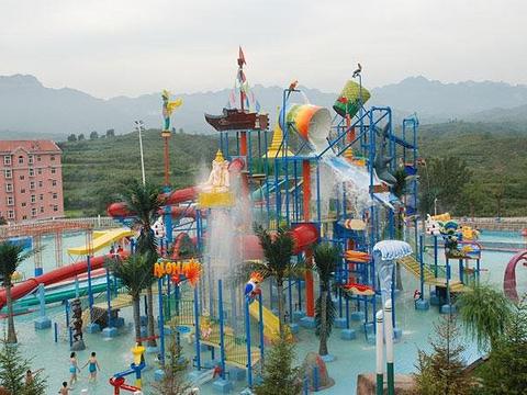 白鹿温泉水上乐园旅游景点图片