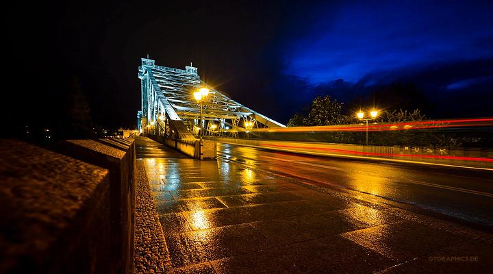 蓝色奇迹大桥旅游图片