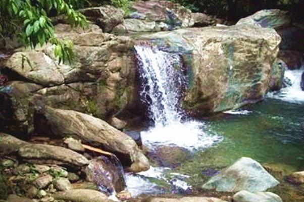 图库兰瀑布旅游图片