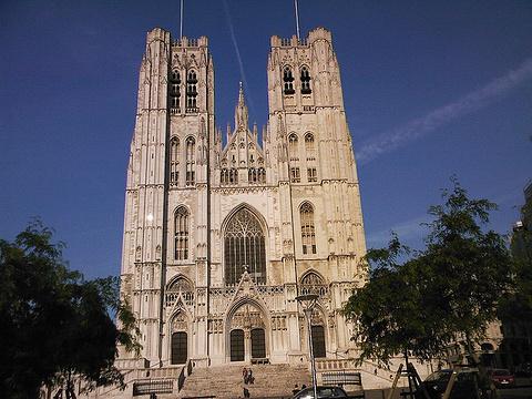 圣米歇尔及圣古都勒大教堂