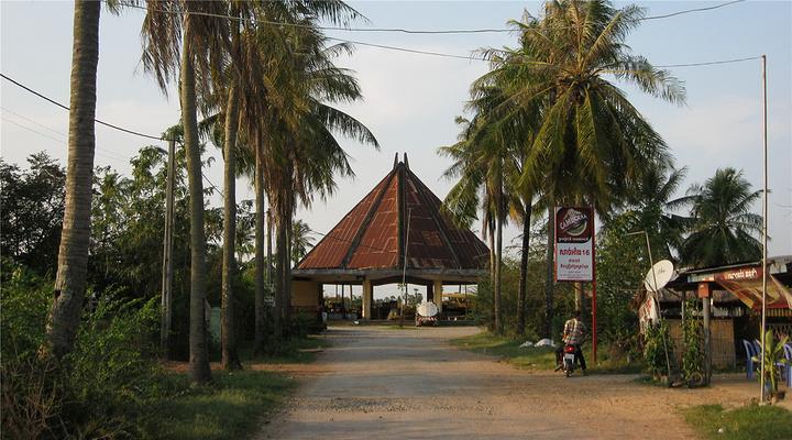 贡布老火车站旅游图片