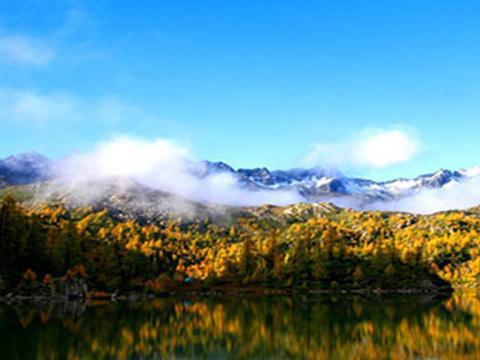 卓玛峡谷旅游景点图片