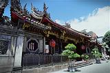淡水龙山寺