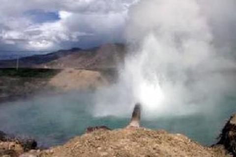 绒玛岩画和温泉