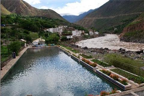 曲孜卡温泉