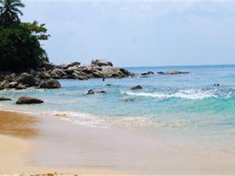 新呷海滩旅游景点图片
