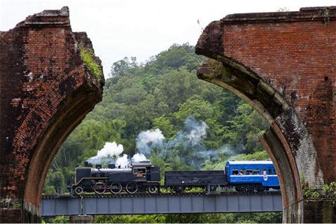 龙腾断桥的图片