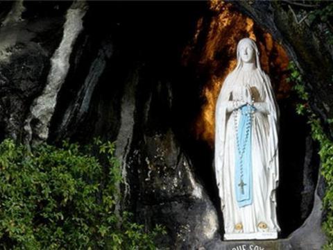 圣母洞旅游景点图片