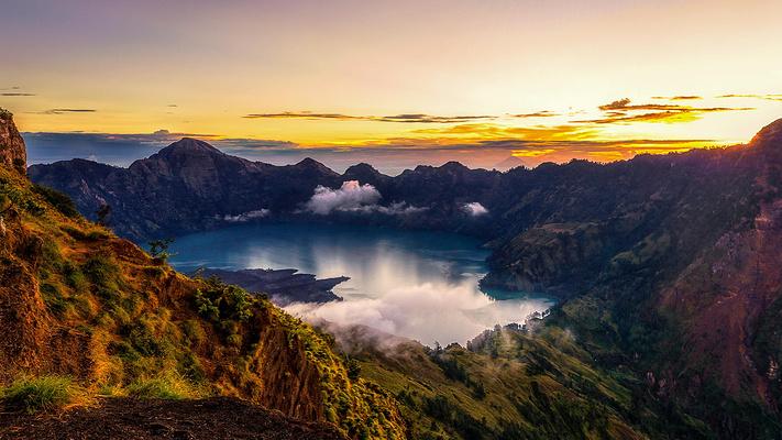 林查尼火山全貌旅游图片