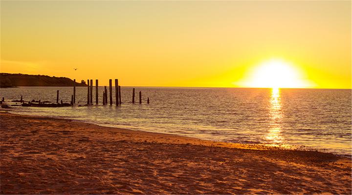 海滩落日旅游图片