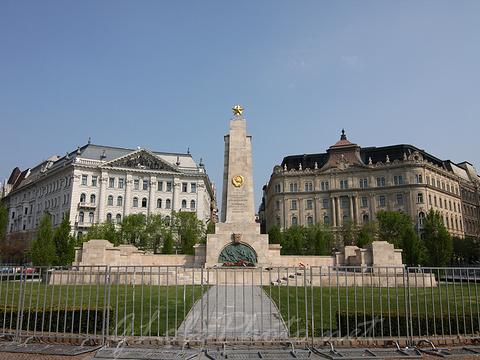 布达佩斯自由广场旅游景点图片