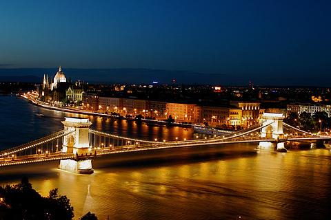 塞切尼链桥的图片