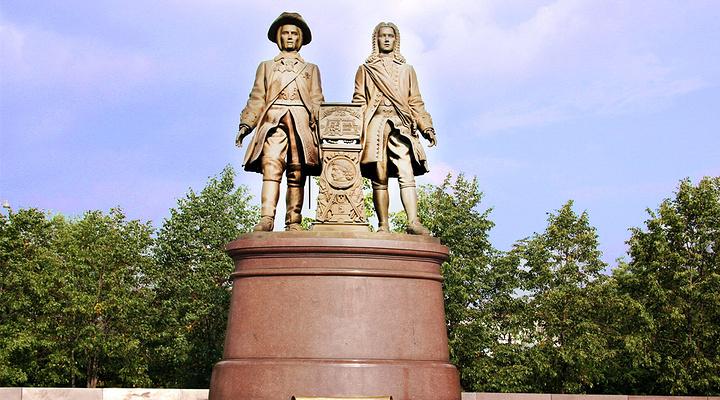 城市奠基人雕像旅游图片