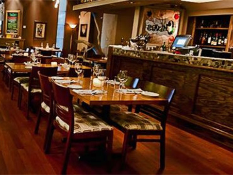 Chives Canadian Bistro旅游景点图片
