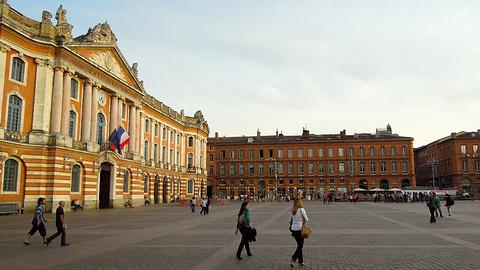 图卢兹市政厅广场的图片