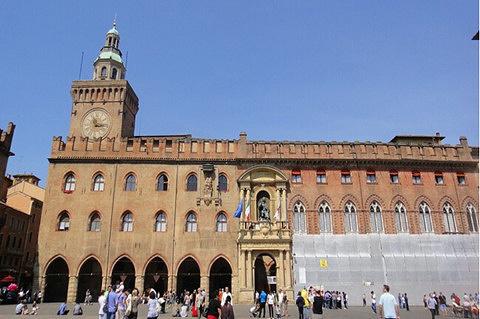 博洛尼亚市政厅