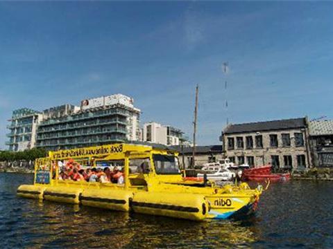 维京海盗水陆巡游旅游景点图片