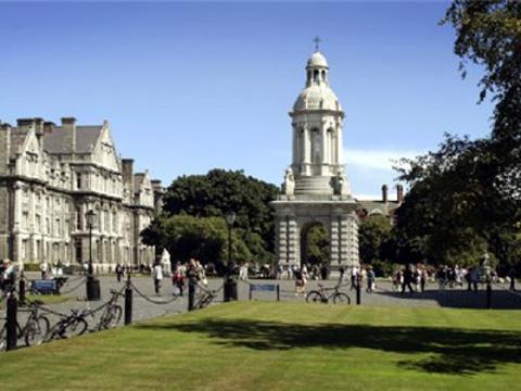 圣三一学院旅游景点图片