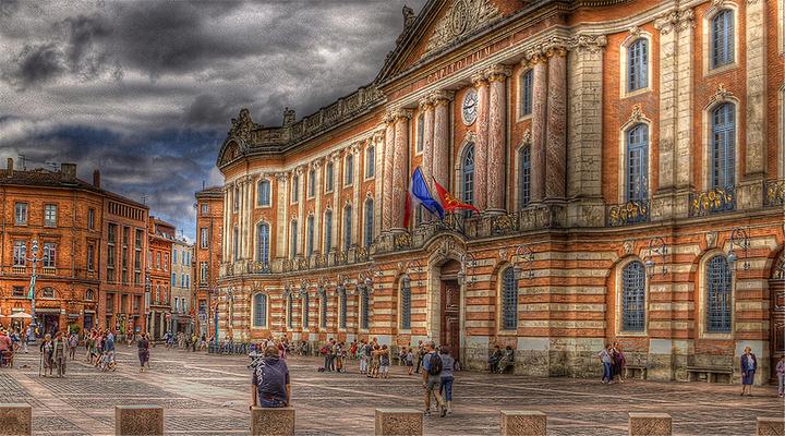 图卢兹市政厅广场旅游图片