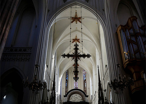 孤独圣母教堂