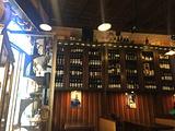 Vinarkia Wine Shop