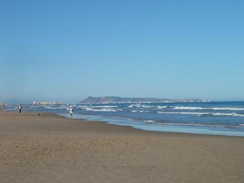 甘迪亚海滩