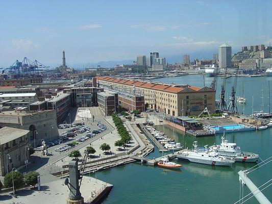 热那亚旧港旅游图片