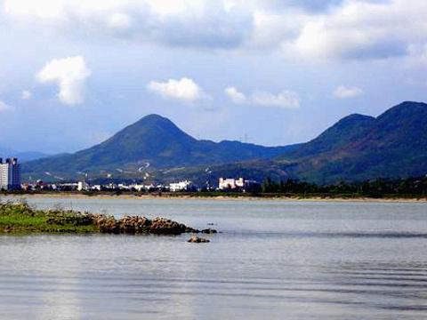 龙銮潭旅游景点图片