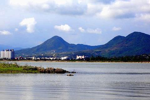 龙銮潭的图片