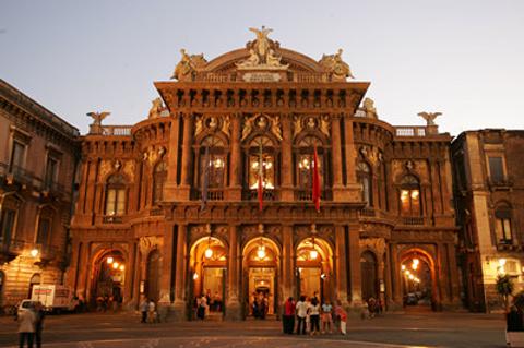 马西莫贝里尼剧院