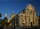 大教堂广场和圣阿加塔大教堂