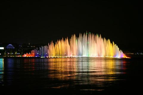西湖音乐喷泉的图片
