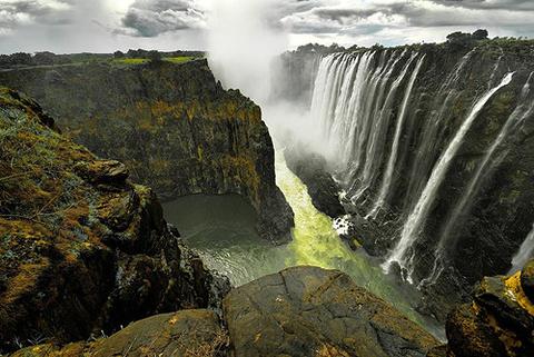 维多利亚瀑布旅游景点图片