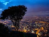 蒙塞拉特山