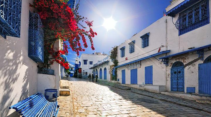 蓝白小镇旅游图片