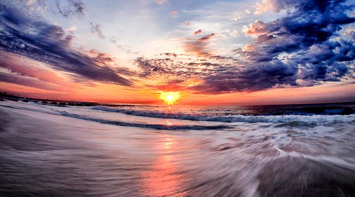 日出沙滩旅游图片