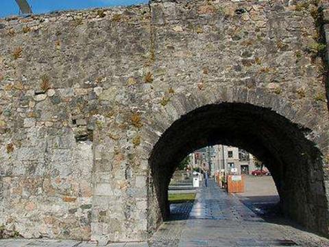 西班牙拱门旅游景点图片