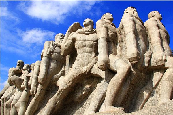 拓荒者雕塑旅游图片