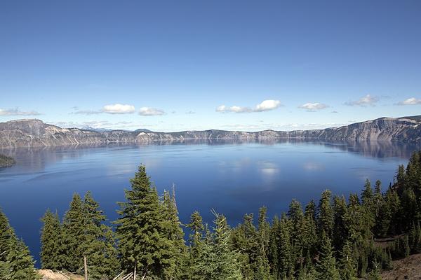 火山口湖国家公园旅游图片