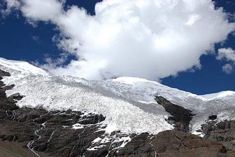 乃钦康桑雪山